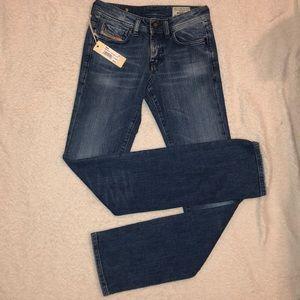 NWT DIESEL Jeans ROHNY 24x32 Slim 008JT MSRP $220